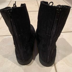 Black Justice Boots!